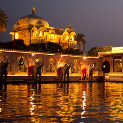 Lake Attached Budget Hotel In Udaipur
