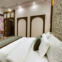 Hotels Near Lake Fateh Sagar