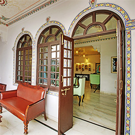 Best Udaipur Hotels Near Lake Fateh Sagar