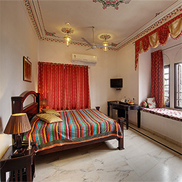 Budget rooms near lake fateh Sagar